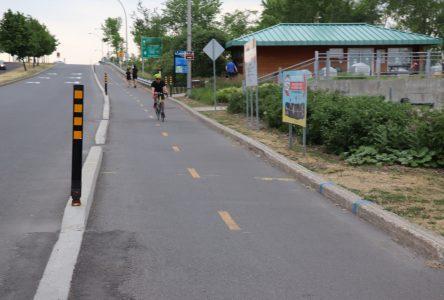 Adolescente happée par un cycliste sur Marie-Victorin : « la Commission de la circulation se penchera sur la situation », assure le maire Martel