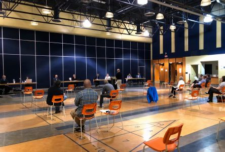 L'assemblée publique de Contrecœur en bref: Les citoyens de retour à la mairie