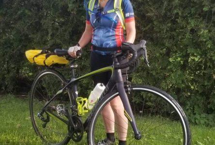Un défi sportif, physique et psychologique : Annie Villemaire roule à vélo 700 km contre  le cancer