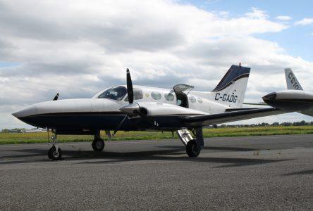 L'ÉNA reçoit un Cessna 421 en don pour ses activités de formation