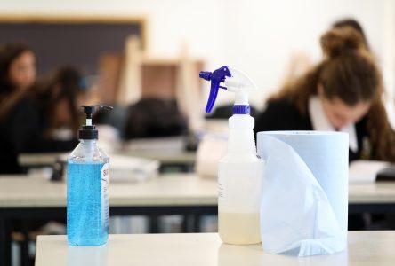 COVID-19 : deux cas à De Mortagne et 96 élèves retirés de l'école