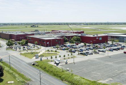 L'ÉNA et Longueuil allient leurs forces pour la création d'une zone d'innovation en aérospatiale