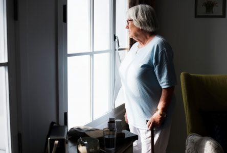 La solitude et l'ennui ont marqué les aînés vivant seuls durant la pandémie