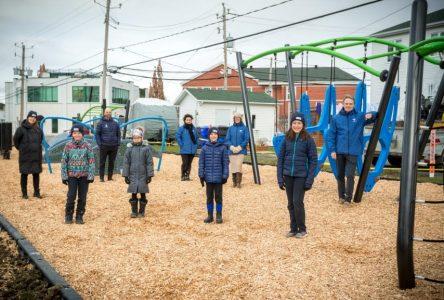 Varennes partenaire avec l'école trilingue Vision dans le projet Ma cour d'école de rêve