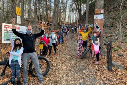 Accès au parc du Mont-Saint-Bruno: les démarches se poursuivent alors que 1 170 citoyens ont signé la pétition