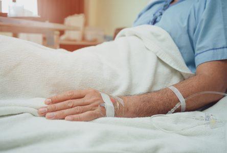 «Il faut continuer nos efforts pour réduire le nombre d'hospitalisations pour que ceux qui sont en attente de chirurgie puissent enfin se faire soigner»