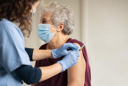 La vaccination pour les 85 ans et plus commence bientôt à Boucherville