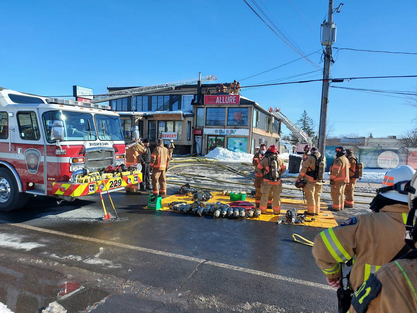 Incendie à Varennes: des commerçants se retrouvent le bec à l'eau