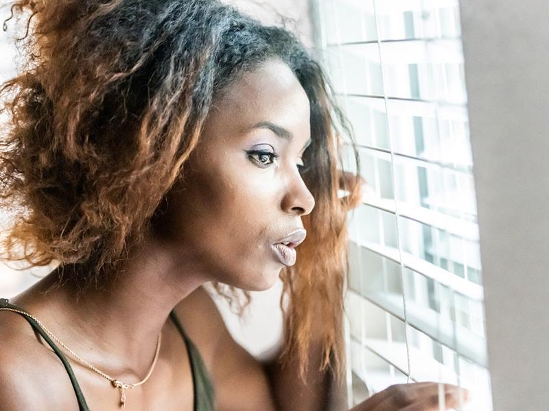 Relance : le gouvernement doit tenir compte que les femmes sont davantage affectées par la pandémie