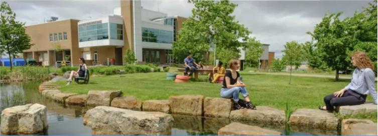Une fausse université à Boucherville tentait d'appâter des étudiants étrangers
