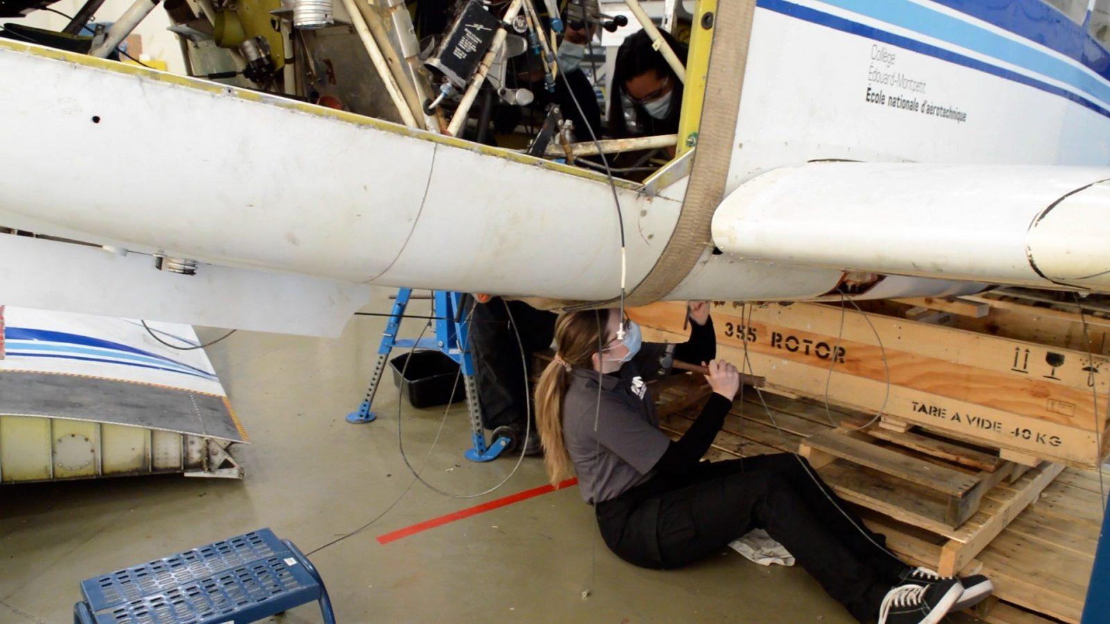 Un petit avion de l'ÉNA terminera sa 3e vie au fond de l'eau!