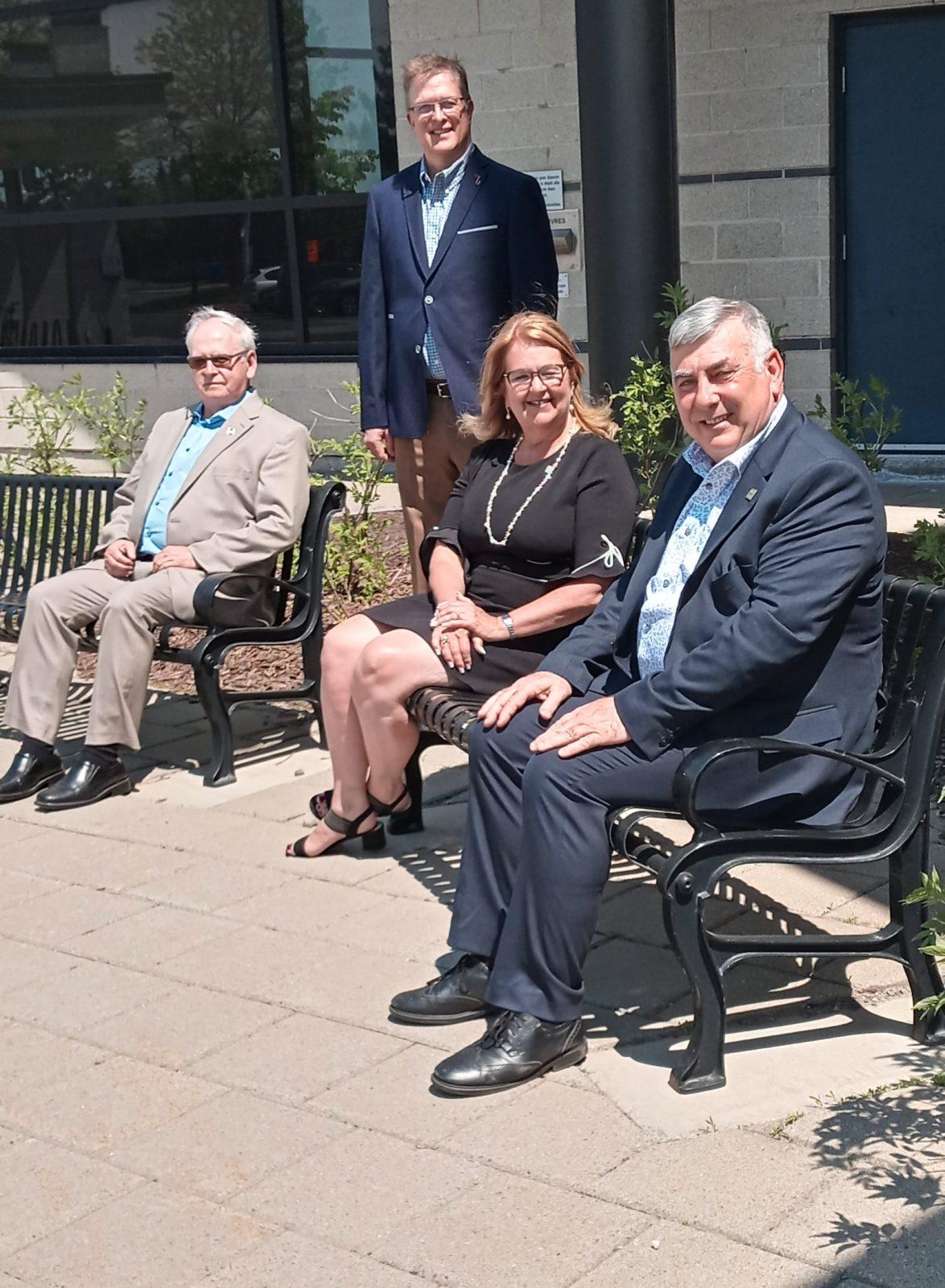 Départs à la retraite de deux conseillers municipaux d'expérience à Sainte-Julie