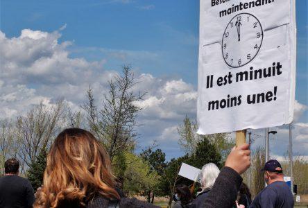 Crise du logement en Montérégie: le ministre Dubé interpellé