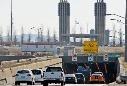 En prévision des travaux au tunnel Louis-Hippolyte-La Fontaine : déviations et voies réservées mises en place sur l'autoroute 20 à Boucherville