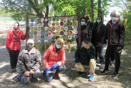 Dévoilement de l'œuvre collective « Au vent du fleuve »