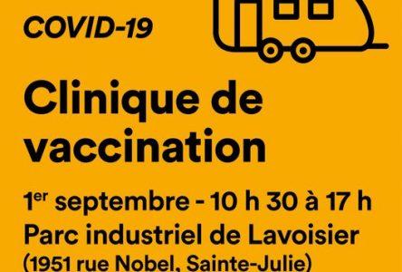 La roulotte de vaccination de passage dans le parc industriel de Sainte-Julie le 1er septembre