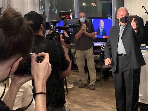 Stéphane Bergeron l'emporte dans Montarville avec une majorité de près de 6 000 voix