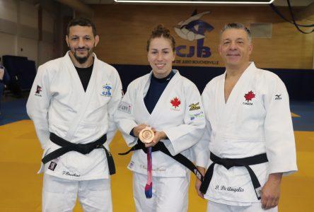 La médaillée olympique Catherine Beauchemin-Pinard en visite à Boucherville