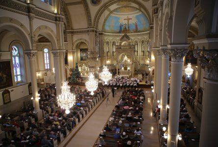 Le Concert de Noël fait vibrer la basilique de Varennes et les spectateurs présents