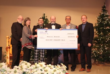Le Centre des générations de Boucherville joue au père Noël et remet 500000 $ à huit organismes